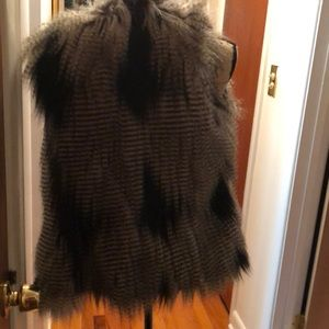 NEVER WORN faux fur